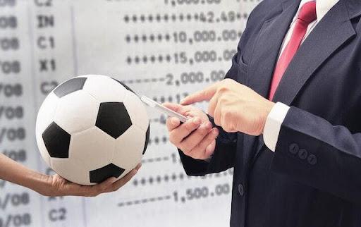 Phải biết cập nhập thông tin và theo dõi các trận đấu thường xuyên